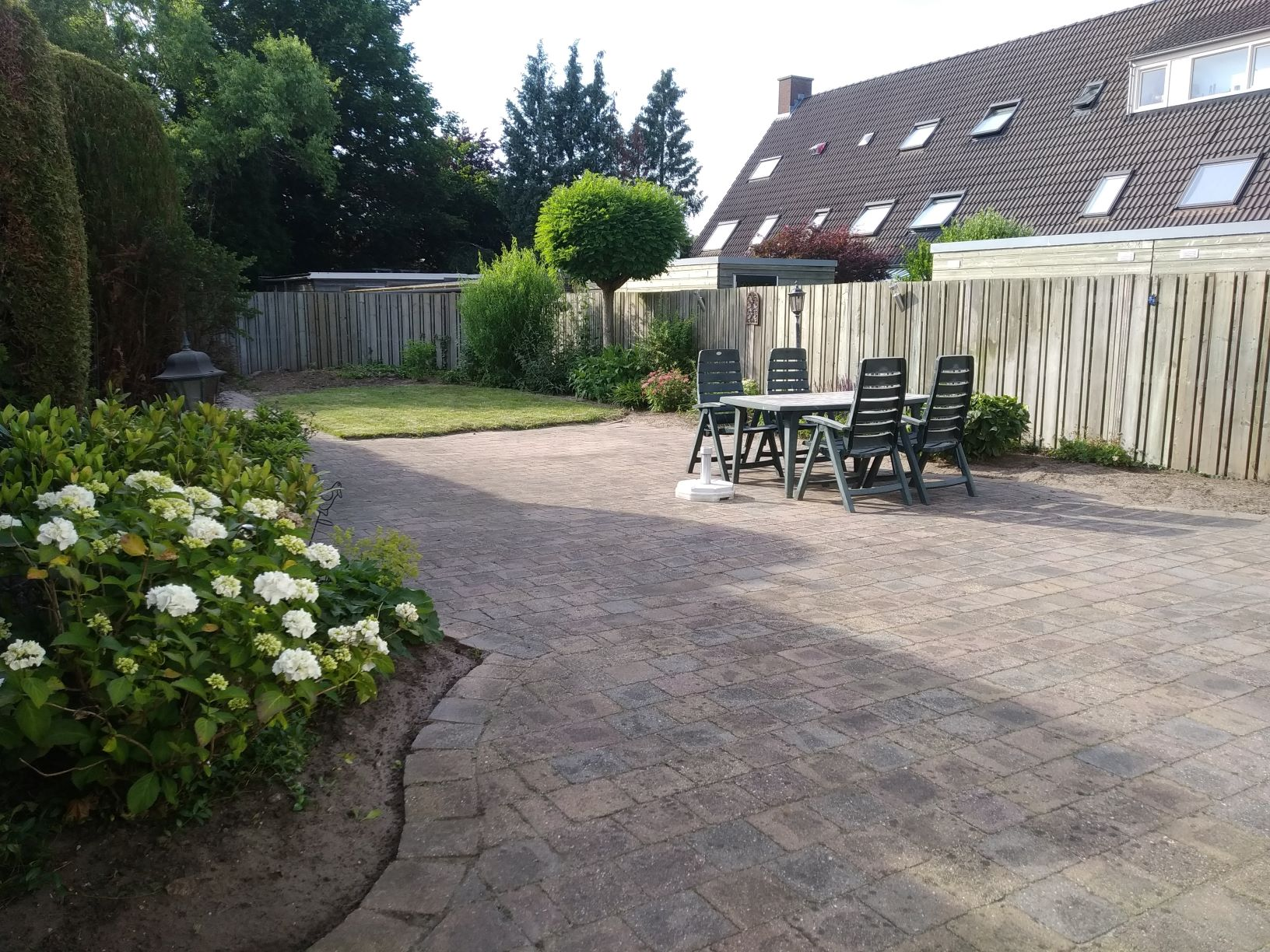 schone achtertuin